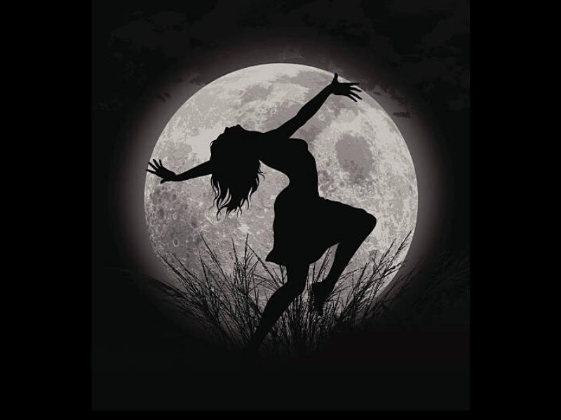 habitarte ciclica_la luna y el cuerpo_practicas especiales para luna llena